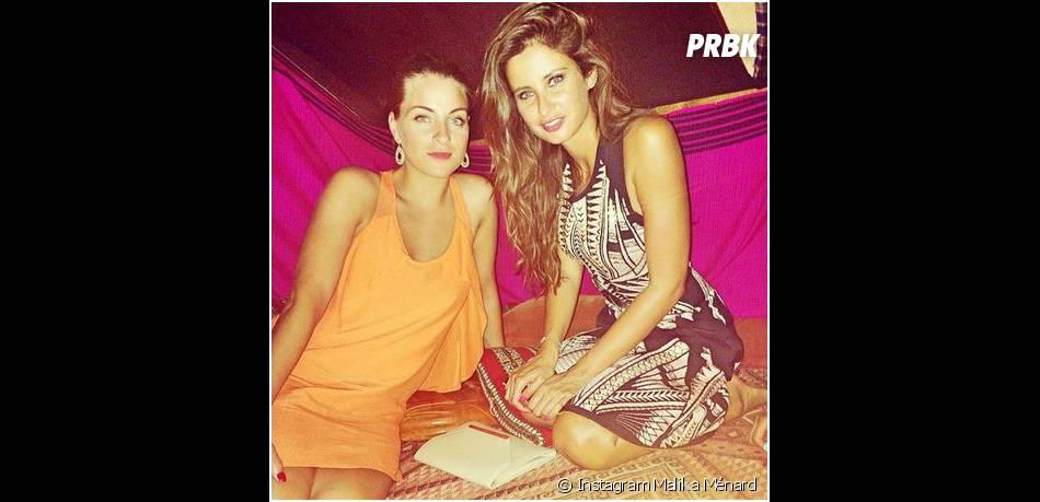 Malika Ménard profite de la Tunisie avec une copine en juin 2014