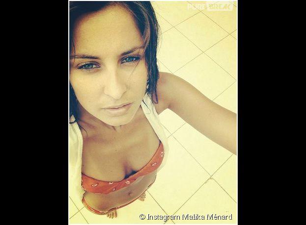 Malika Ménard : selfie en bikini depuis la Tunisie