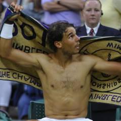 Rafael Nadal fait le show torse-nu à Wimbledon