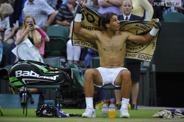 Rafael Nadal torse-nu à Wimbledon