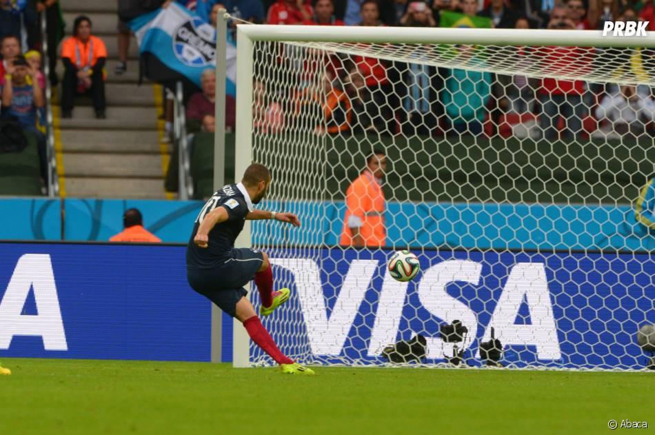 Karim Benzema inscrit un but face au Honduras pendant le Mondial 2014 au Brésil