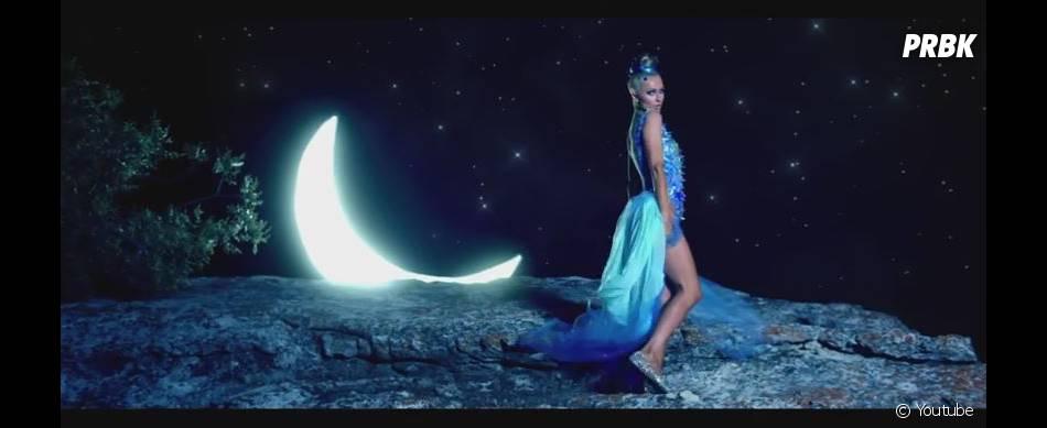 Paris Hilton : Come Alive, le nouveau clip de la chanteuse