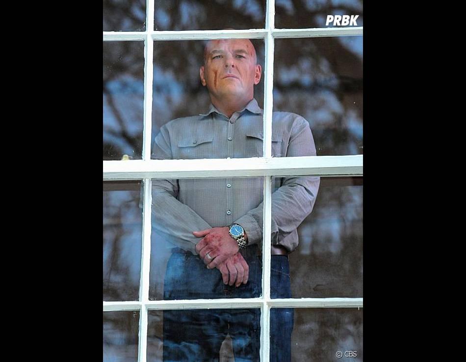 Under the Dome saison 2, épisode 4 : Dean Norris sur une photo