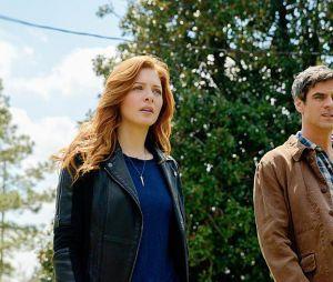 Under the Dome saison 2, épisode 4 : Rachelle Lefevre et Eddie Cahill sur une photo