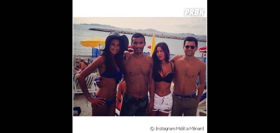Malika Ménard en bikini avec ses potes à Marseille