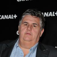 """Pierre Ménès attaqué sur son poids : le """"gros"""" répond aux détracteurs"""