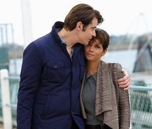 Extant : Molly et John sur une photo