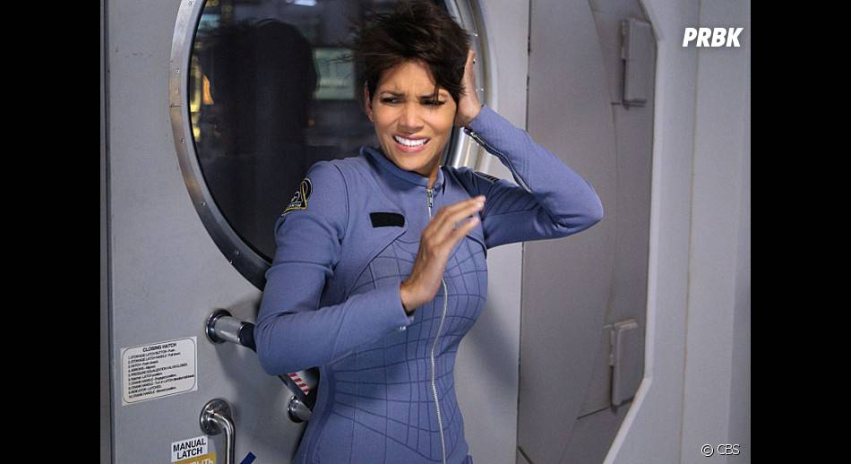 Extant : Halle Berry sur une photo