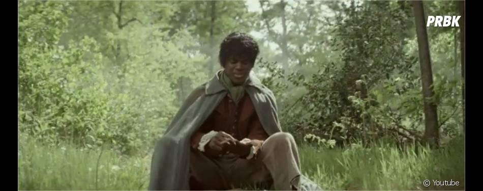 """Black M en Frodon (Le Seigneur des anneaux) dans le clip Sur ma route, extrait de l'album """"Les Yeux plus gros que le monde"""""""