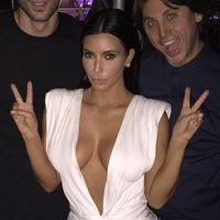 Kim Kardashian : décolleté hallucinant pour son anniversaire à Las Vegas