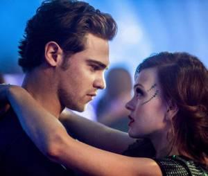 Star Crossed : Grey Damon et Aimee Teegarden