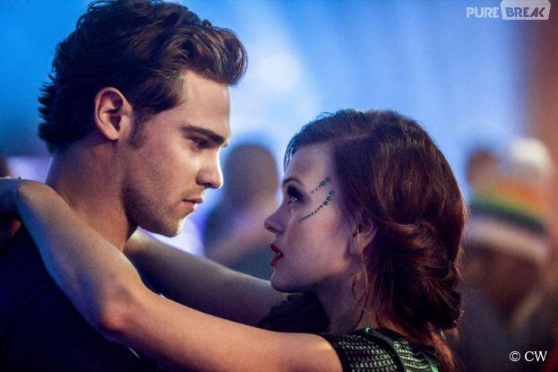 Star Crossed   Grey Damon et Aimee TeegardenGrey Damon Star Crossed