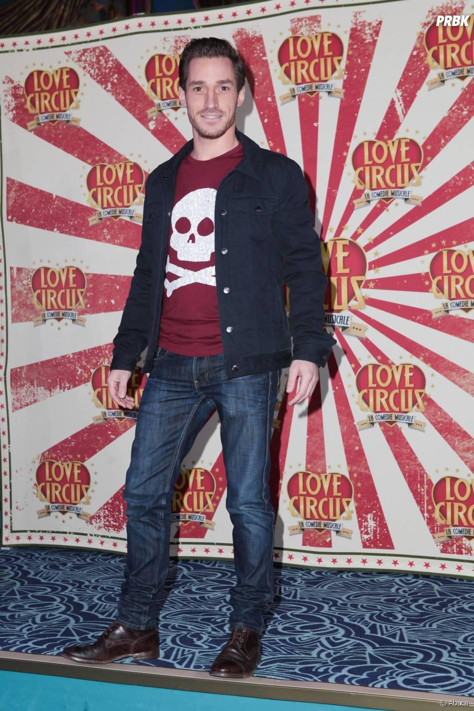 David Lantin venu soutenir la troupe de Love Circus à la première, le 28 octobre 2014, aux Folies Bergères