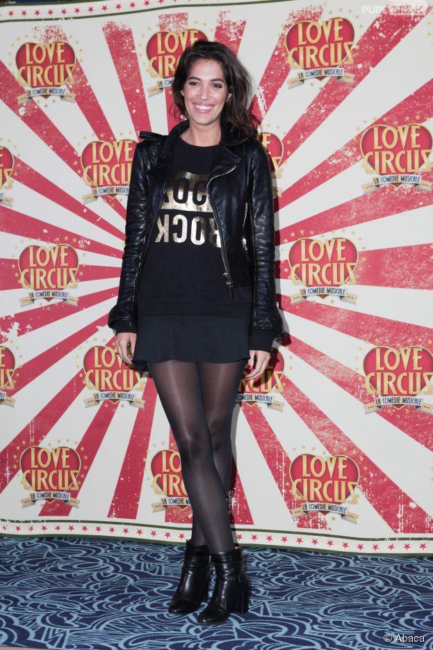 Laurie Cholewa sexy à la première de Love Circus, le 28 octobre 2014, aux Folies Bergères