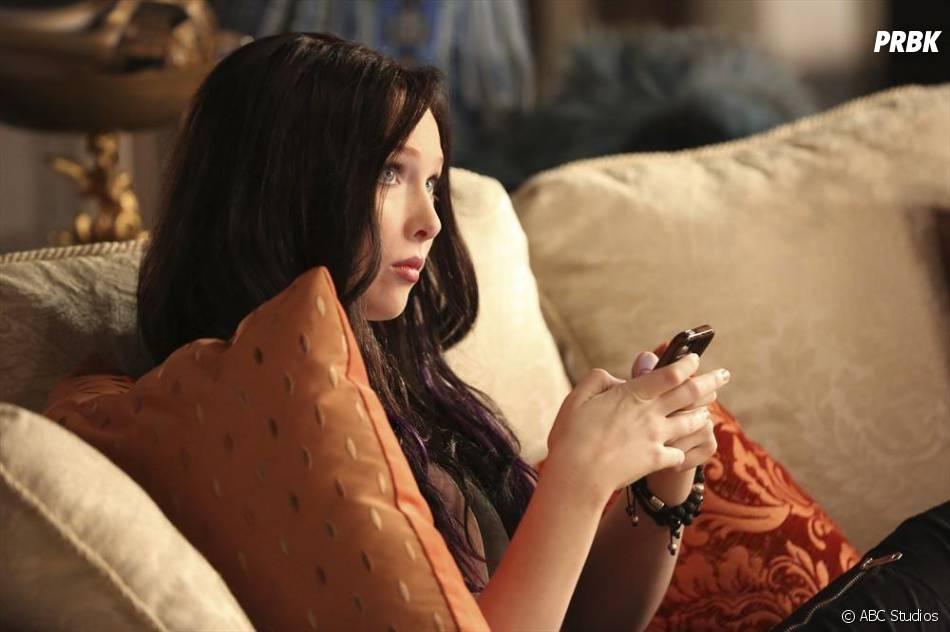 Castle saison 7, épisode 6 : Alexis brune sur une photo de l'épisode alternatif