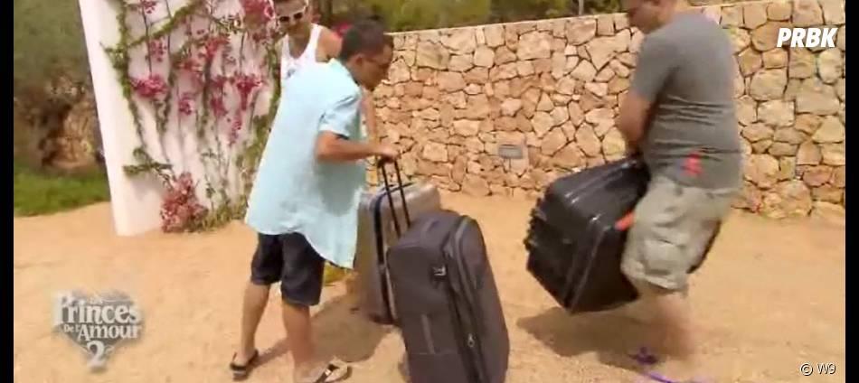 Arthur, Charles et Bastien (Les Princes de l'amour 2) arrivent à la villa