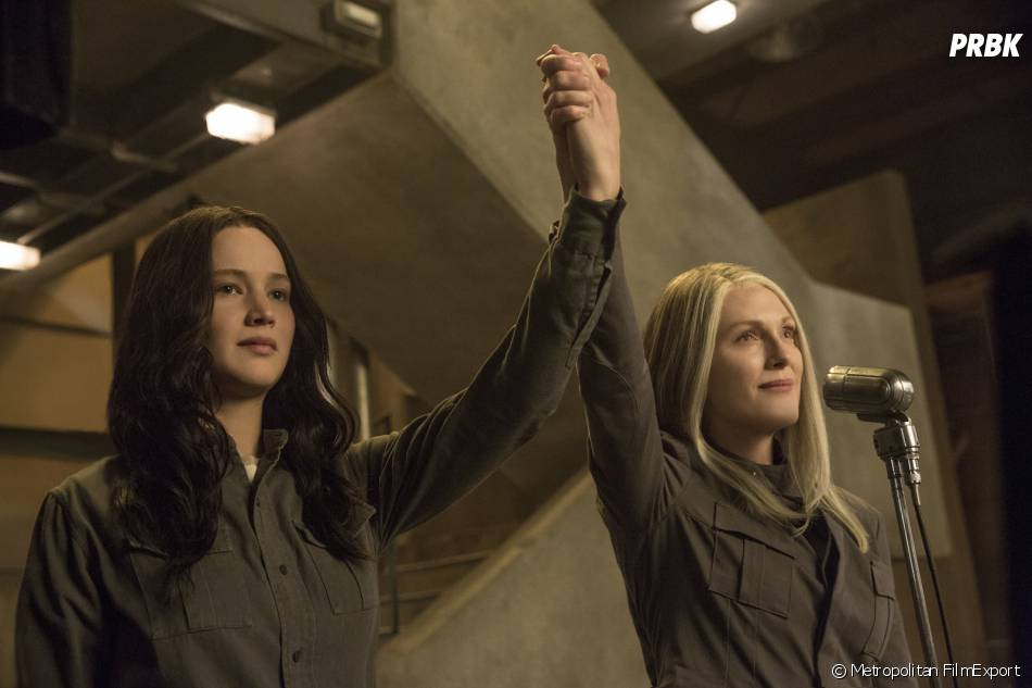 Hunger Games 3 : Jennifer Lawrence et Julianne Moore sur une photo