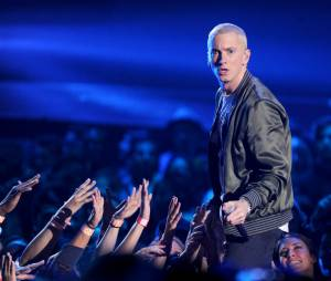 Eminem VS Iggy Azalea : Slim Shady menace de violer la rappeuse