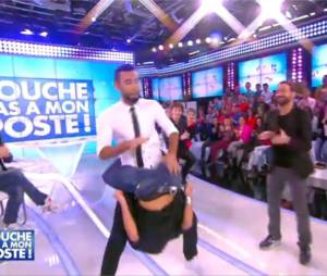La Fouine et Fauve Hautot : danse sexy et décalée dans TPMP, le 3 décembre 2014