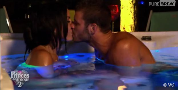 Les Princes de l'amour 2 : Siham Bengoua et Florent Ré s'embrassent