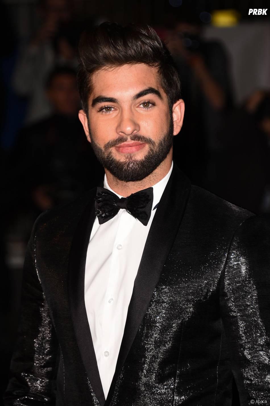 Kendji sur le tapis rouge des NMA 2014, le 13 décembre 2014 à Cannes