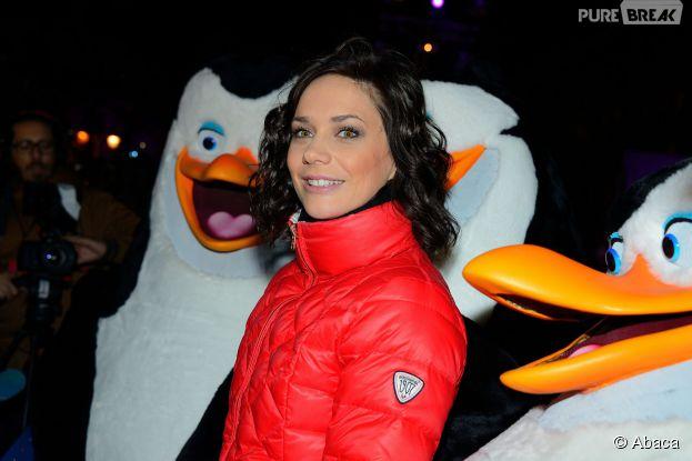 Nathalie Péchalat et les Pingouins de Madagascar inaugurent la patinoire de l'hôtel de Ville, le 16 décembre 2014 à Paris