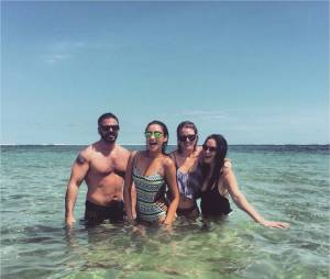 Shay Mitchell s'éclate à Bali avec ses amis
