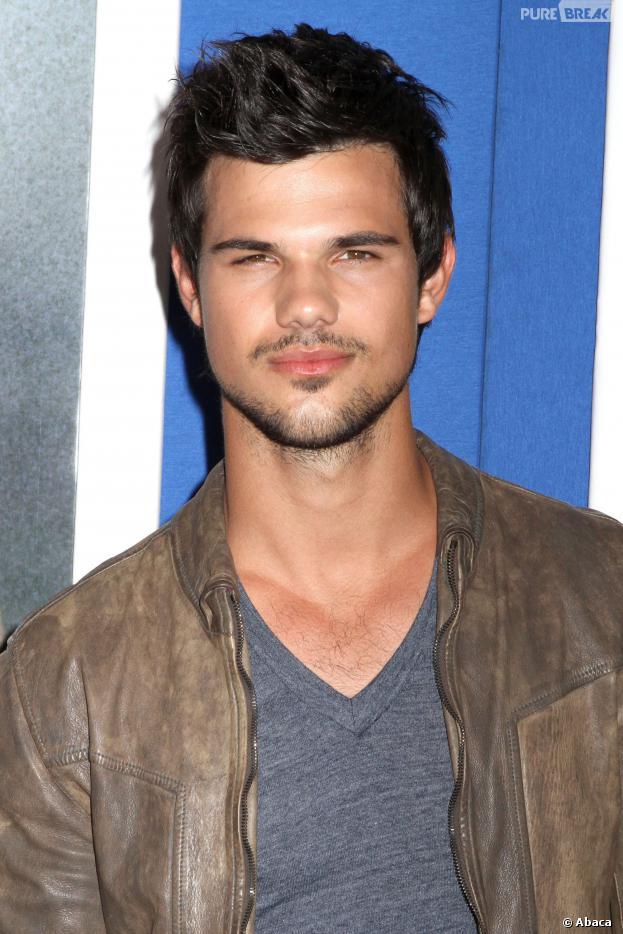 Taylor Lautner est en couple avec Raina Lawson, une mannequin de 20 ans