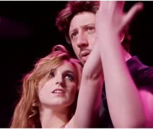 """Alison Wheeler et Monsieur Poulpe en mode """"Bébé"""" et Johnny de Dirty Dancing, le 4 février 2015 dans Le Grand Journal"""