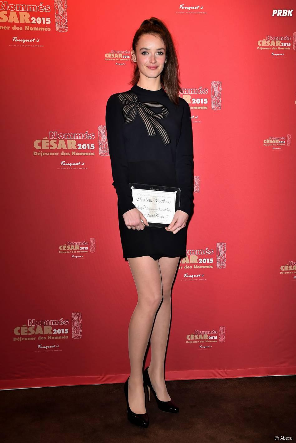 Charlotte Le Bon sexy au déjeuner des nommés des César 2015 le 7 février à Paris