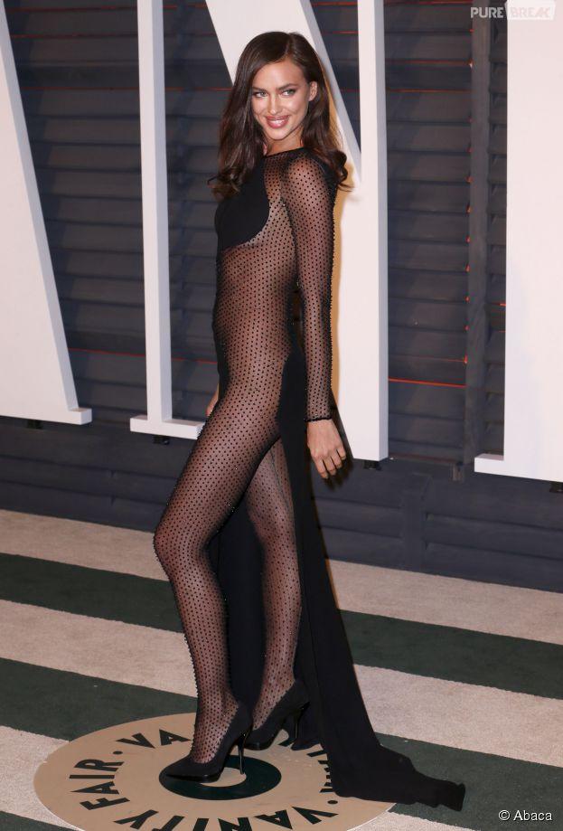 Irina Shayk sexy à la soirée Vanity Fair des Oscars 2015, le 22 février 2015 à Los Angeles