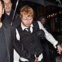 Ed Sheeran complètement bourré après les Brit Awards 2015, il ne tient même plus debout