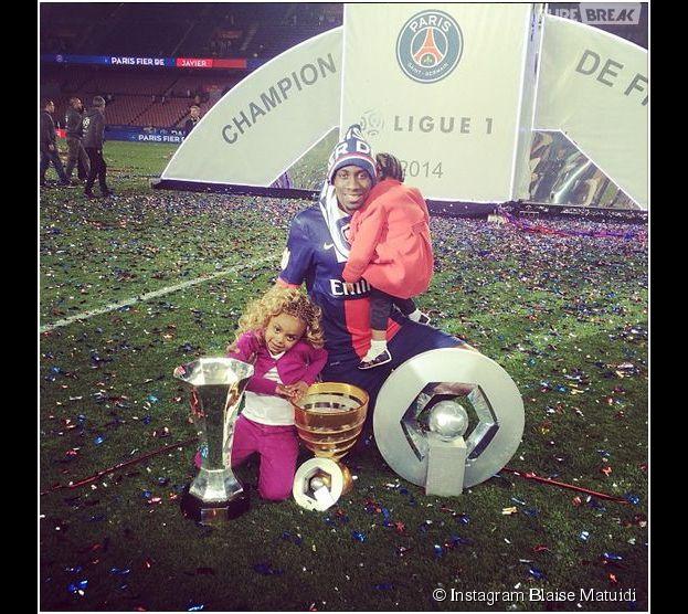 Blaise Matuidi et ses filles fêtent le titre de champion de France du PSG en 2014