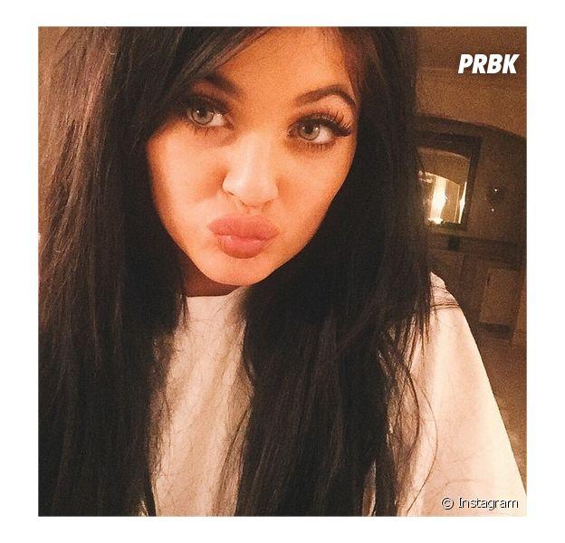 """Kylie Jenner Challenge : le """"jeu"""" pour avoir les mêmes lèvres que la star"""