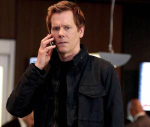 The Following saison 3 : Kevin Bacon (Ryan Hardy) sur une photo