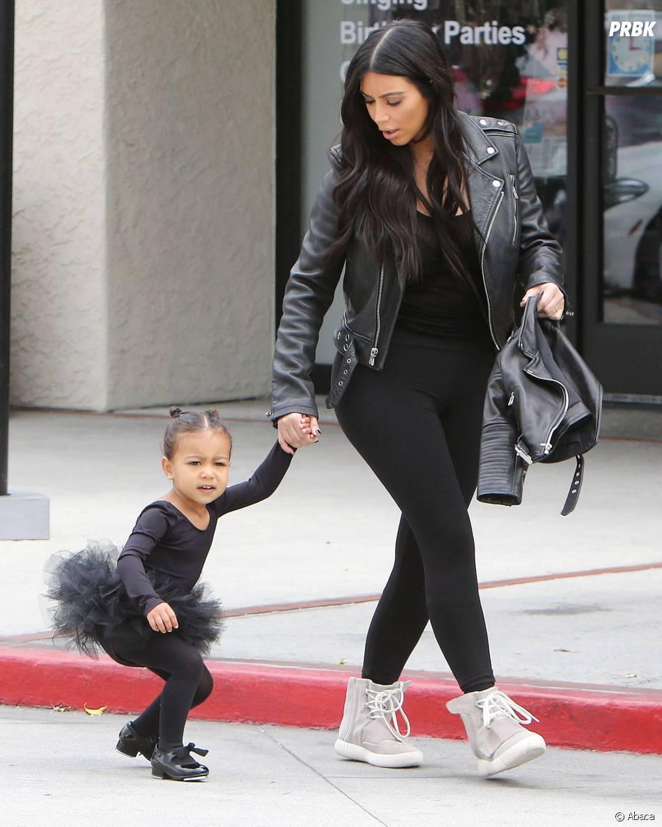 Kim Kardashian et North à Los Angeles, le 28 mai 2015