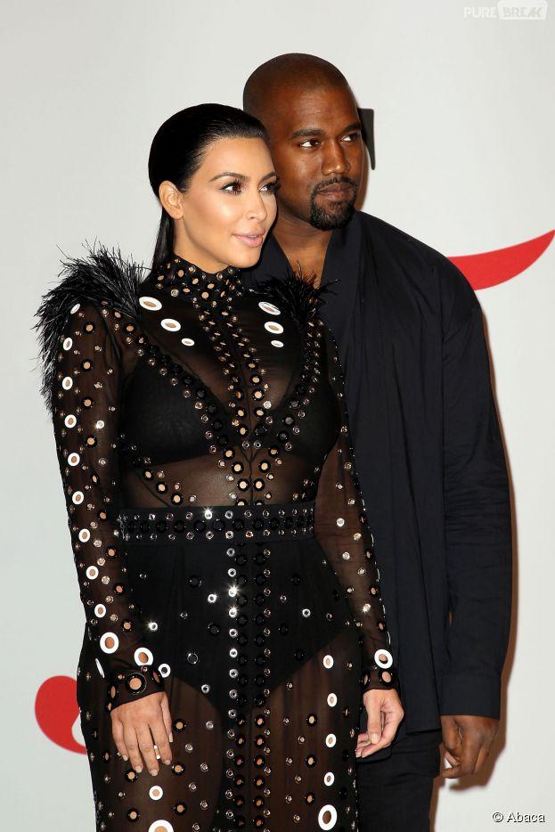 Kim Kardashian enceinte et Kanye West aux CFDA Fashion Awards le 1er juin 2015 à New York