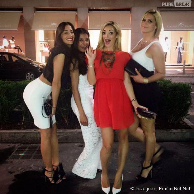 Emiline Nef Naf et Sidonie Biemont fêtent leur séparation sur Instagram, le 11 juillet 2015