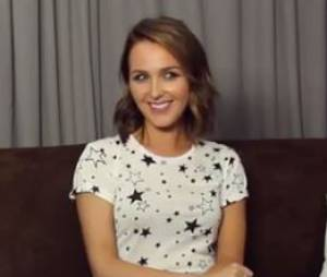 Camilla Luddington réagit à un possible retour de Katherine Heigl, pendant le Comic Con 2015
