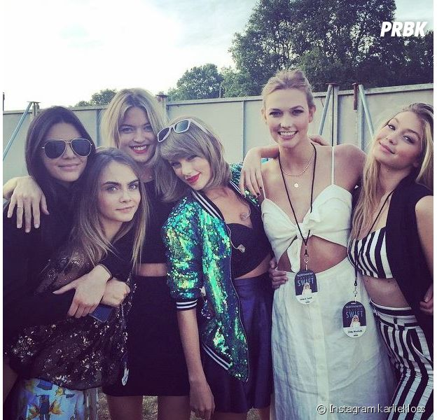 Taylor Swift aux côtés de Gigi Hadid, Martha hunt, Karlie Kloss, Kendall Jenner et Cara Delevingne dans les coulisses de son concert de Londres, le 27 juin 2015