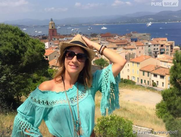 Eve Angeli en vacances à Saint-Tropez