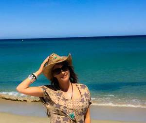 Eve Angeli profite de ses vacances à Saint-Tropez