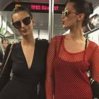 Emily Ratajkowski sexy, décolletée et incognito dans le métro new-yorkais sur Instagram