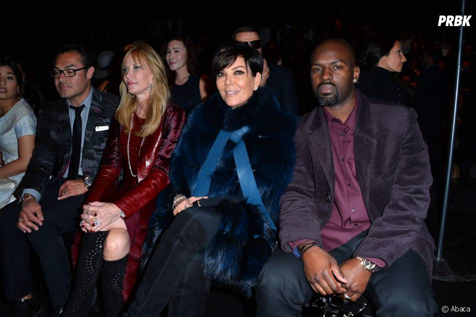 Kris Jenner et son chéri au front row du défilé Elie Saab de la Fashion Week de Paris le 3 octobre 2015