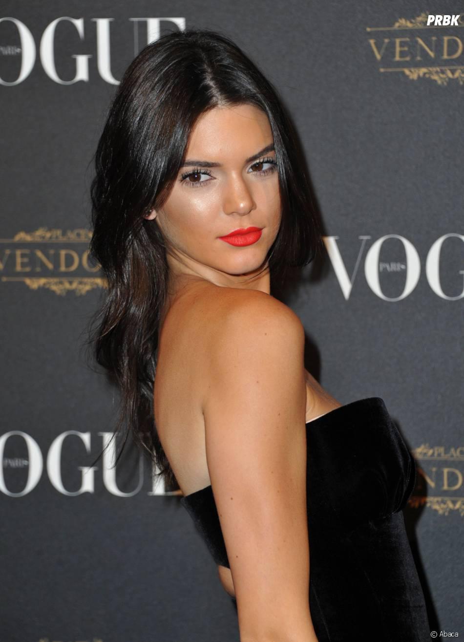 Kendall Jenner sexy pour fêter les 95 ans du magazine Vogue à Paris le 3 octobre 2015
