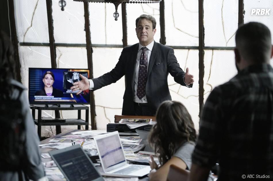 Scandal saison 5, épisode 5 : Paul Adelstein (Leo) sur une photo