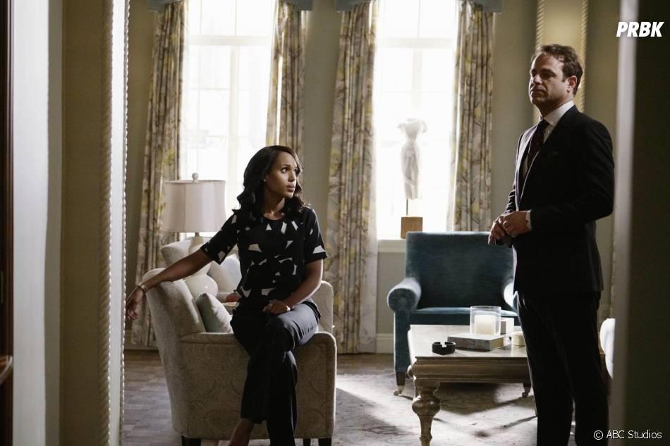 Scandal saison 5, épisode 5 : Paul Adelstein (Leo) et Kerry Washington (Olivia) sur une photo
