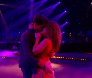 Priscilla Betti et Christophe Licata très complices lors du prime de Danse avec les stars 6 du 6 novembre 2015, sur TF1