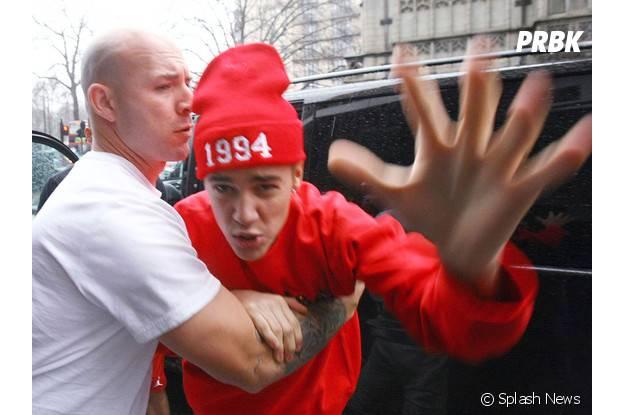 Justin Bieber, le méchant chanteur face aux paparazzi