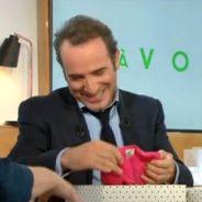 Jean Dujardin et Nathalie Péchalat parents : l'acteur reçoit un cadeau de naissance dans C à Vous